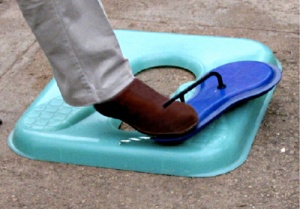 Foot operated lid